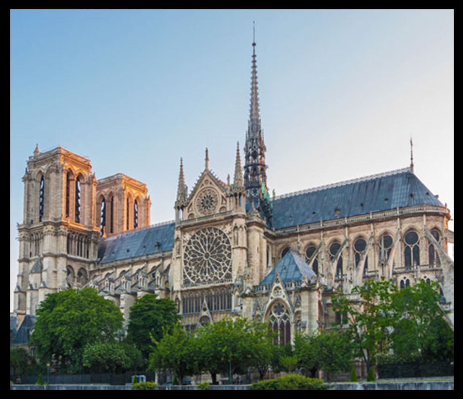 Notre-Dame-by-Fotolia